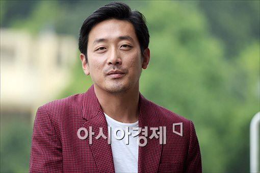 """하정우 """"'군도'는 철저한 오락영화…'돌무치'는 귀여운 캐릭터"""""""
