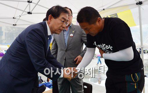 [포토]세월호 유가족 단식 농성장 방문한 박원순 서울시장