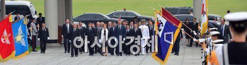[포토]현충원으로 향하는 포르투갈 대통령