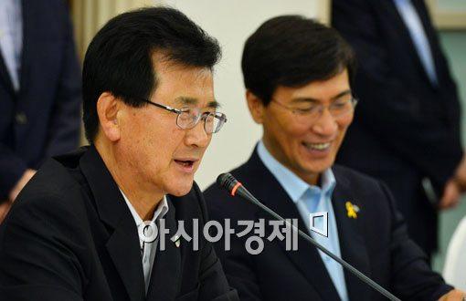 [포토]이시종 충북지사, 제8대 전국시도지사협의회장으로 선출