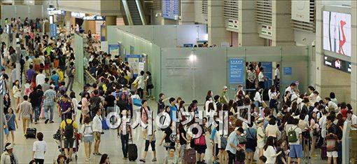 올해 내비게이션 목적지 1위 '인천공항'…2위가 아울렛?