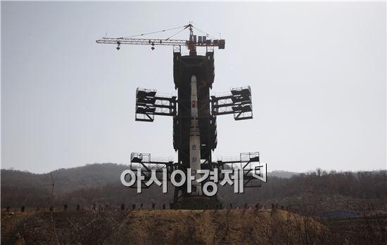 북한은 2012년  평안북도 철산군 동창리 로켓 발사장에서 은하3호를 발사했다.