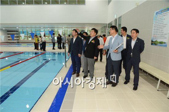 순천시 문화건강센터 수영장이 오는 29일 준공식을 갖고 시민들의 건강 메카로 태어났다.