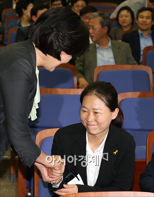 [포토]인사하는 박영선·권은희