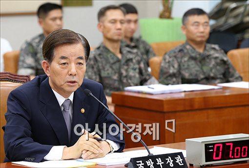 [포토]답변하는 한민구 국방장관