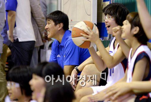 [포토]이상민 감독,'유소년 농구도 흥미진진'