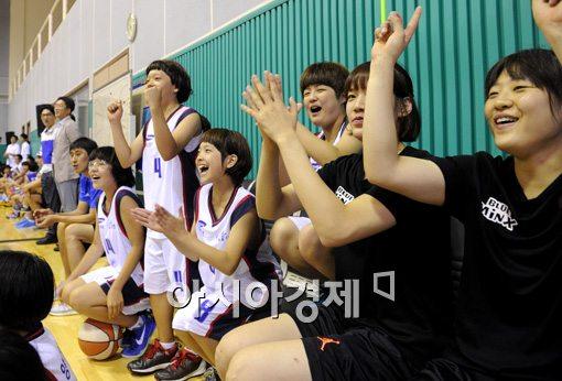 [포토]'우리팀 이겨라'