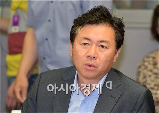 """[지역구도 타파 4인]김영춘 """"정책·인물 열심히 준비할 것"""""""