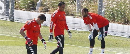 레알 마드리드의 주전 수문장 경쟁을 벌이는 카시야스, 나바스, 로페스(왼쪽부터). 사진은 AS-TV 홈페이지 캡처.