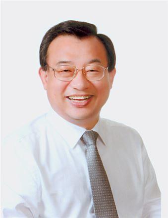 7.30 재.보궐선거에서 전남 순천.곡성에서 당선된 이정현 새누리당 의원이 7일 '호남몫' 지명직 최고위원으로 임명됐다.