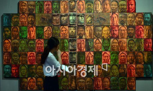 [포토]서소문·동소문 별곡, 전시 보는 관람객