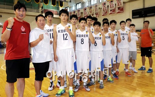 [포토]파이팅 외치는 U-18 농구대표팀