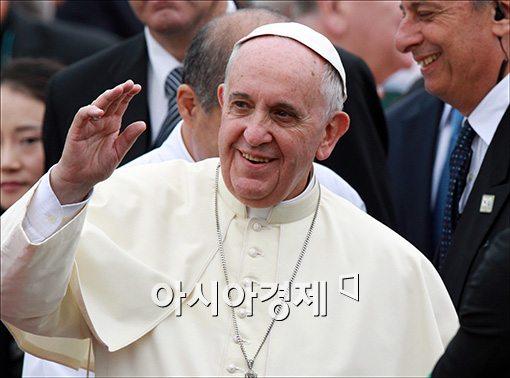 """[교황방한]""""청빈은 수도생활의 방벽이자 어머니"""""""