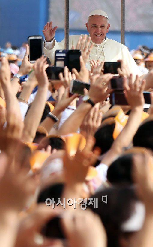 [포토]환한 미소의 프란치스코 교황