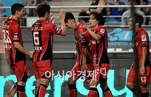 [포토]김치우 쐐기골,'골 잔치를 열렸어~'