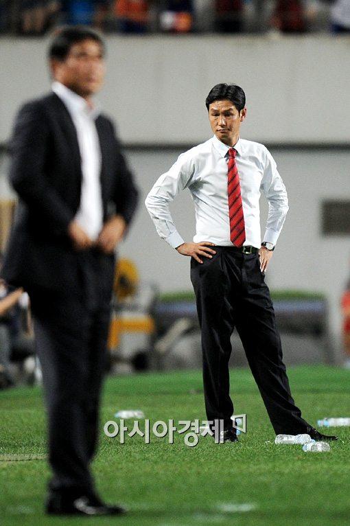 [포토]최용수 감독,'5-1 대승에 여유만만'