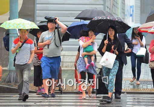 [포토]비 내리는 일요일