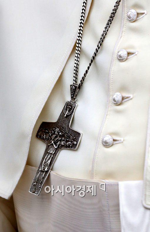 [포토]교황의 목걸이