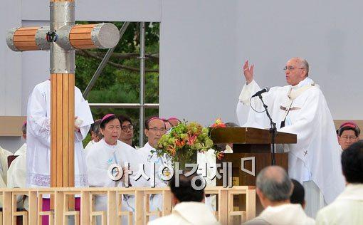 [포토]아시아 청년대회 폐막미사 참석한 프란치스코 교황