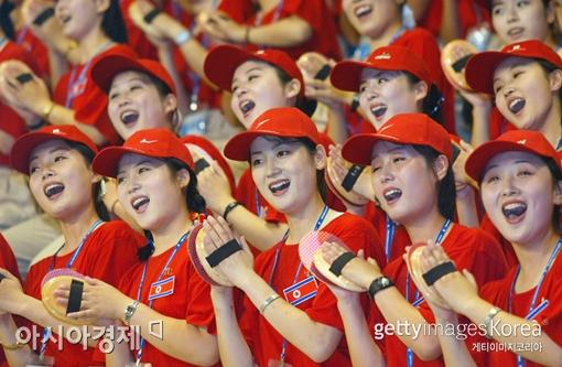 북한 응원단[사진=Getty Images/멀티비츠]