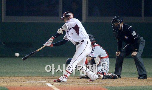 [포토]강정호,'역대 72번째 통산 1500루타 달성'