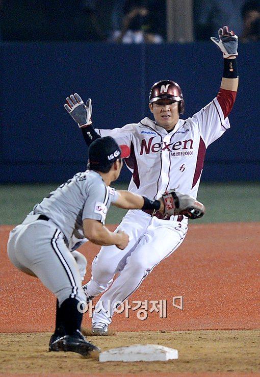 [포토]김민성,'병살은 절대 안돼!'