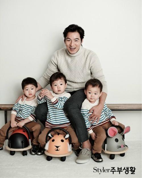송일국과 세 쌍둥이 화보(사진=스타일러 주부생활)