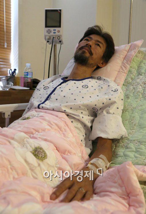 세월호 '유민아빠' 김영오씨가 단식을 중단했다.