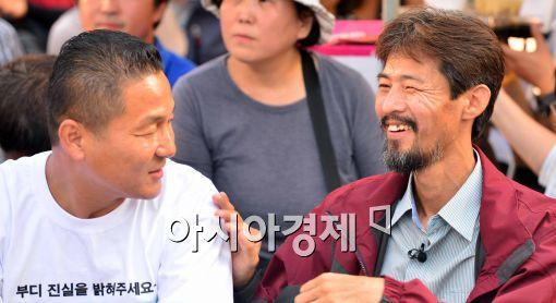 [포토]대화 나누는 유민아빠 김영오씨