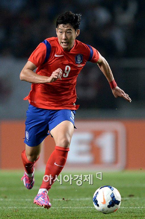 [포토]손흥민,'골을 향해 돌진'