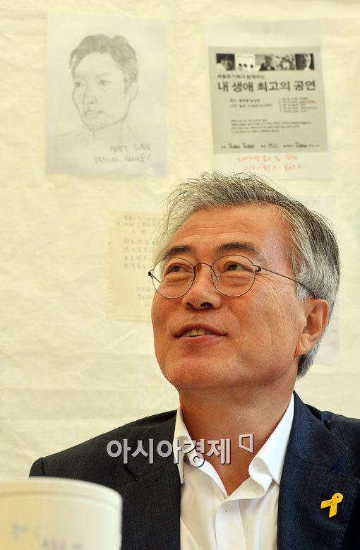 [포토]광화문 단식농성장 찾은 문재인 의원