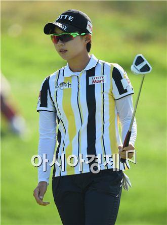 김효주가 에비앙챔피언십 첫날 퍼트를 마친 뒤 환한 표정을 짓고 있다. 에비앙 레벵(프랑스)=AFP연합