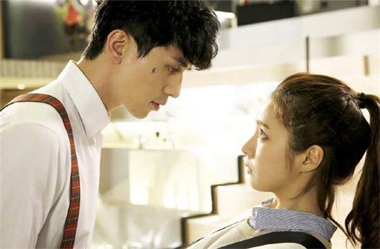 '아이언맨' 이동욱과 신세경 /KBS 홈페이지 발췌