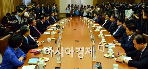 [포토]정의화 국회의장, 의장단·상임위원장 연석회의 참석