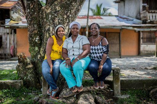 UNHCR의 난센상을 수상하는 콜롬비아의 여성인권단체 '버터플라이즈'의 수상자들.왼쪽부터 글로리아 암패로, 마리자 아스프릴라 크루즈, 메리 메디나(사진제공=UNHCR)