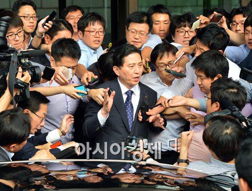 임영록 KB금융 회장 '직무정지 3개월' 상향(종합)