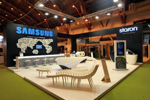 삼성SDI가 영국 런던에서 열린 '런던 100% 디자인' 전시회에서 선보인 전시 부스 모습.