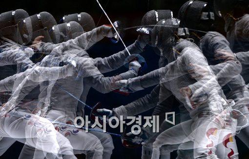 [포토]'격돌'
