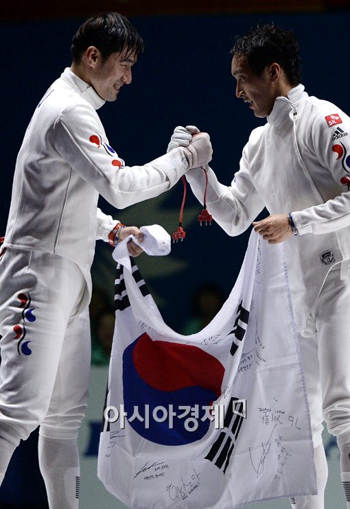 [포토]정진선-박경두,'우리가 금-은 만들었어'