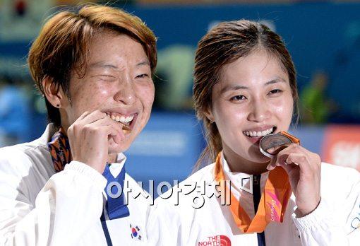 [포토]이라진-김지연,'금-은메달 차지했어요'