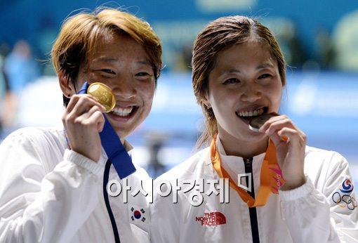 [포토]이라진-김지연,'이보다 행복할 수 없어요'