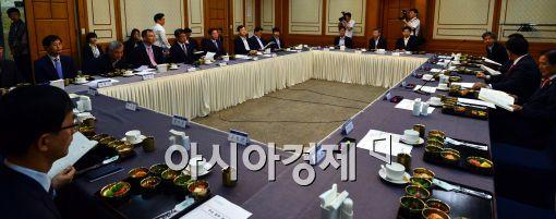 [포토]환노위-고용노동부 당정협의 개최