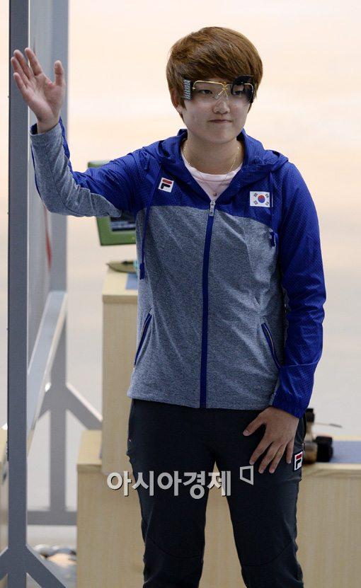 [포토]경기 전 인사하는 김장미