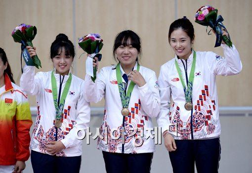 [포토]여자 10m 공기소총 단체전 동메달 획득