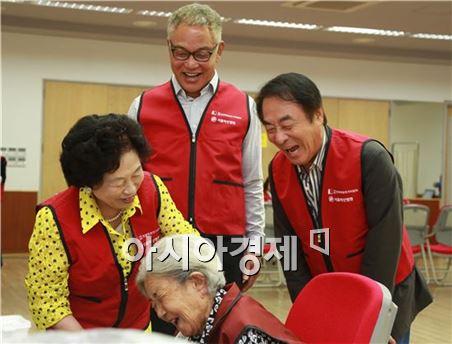 안방극장 배우들, 서울아산병원과 의료봉사