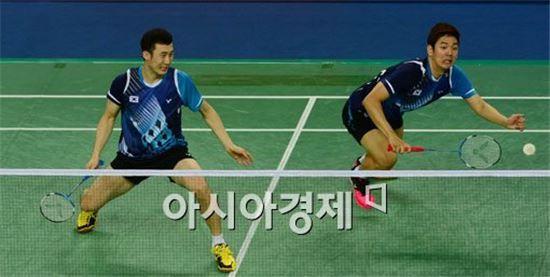남자 배드민턴대표팀 유연성(왼쪽)과 이용대[사진=백소아 기자]