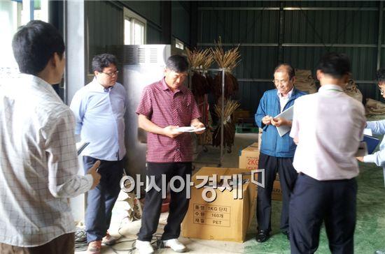 부안군농업기술센터(소장 하남선)는 작지만 강한 농업 육성과 농업인 애로사항 해결 등을 위해 경영마케팅 및 현장컨설팅을 진행했다.