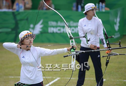 장혜진(왼쪽), 정다소미(오른쪽)