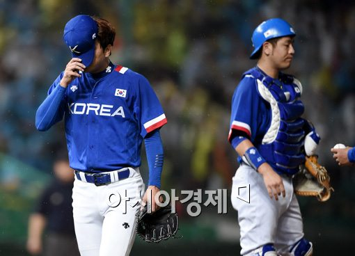 [포토]역전 허용하고 강판되는 김광현