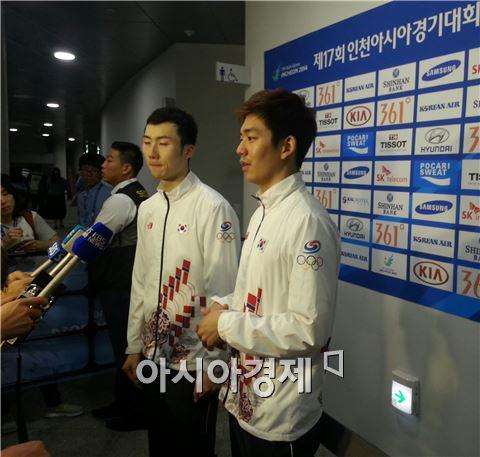 남자 배드민턴대표팀 유연성(왼쪽)과 이용대